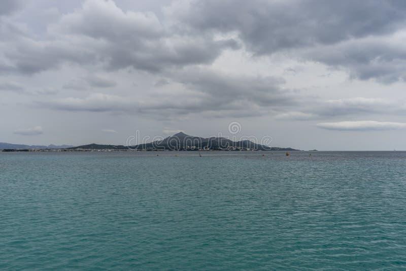 Medelhav på ön av Ibiza i Spanien, ferie och s royaltyfri foto