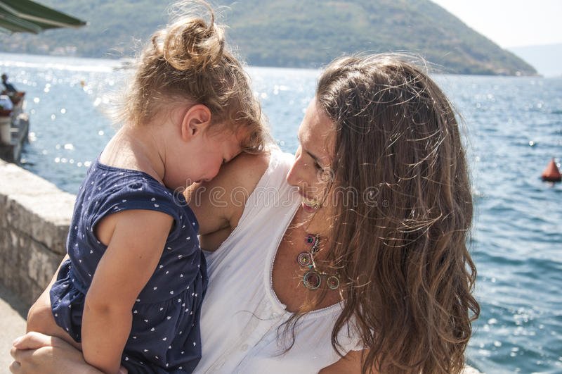 Medelhavs- flickor arkivbilder