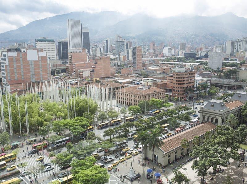 MedellÃn, Antioquia/Kolumbien - 31. Mai 2017 Ansicht der Stadt San Juan Avenue und alter Bahnhof stockbilder
