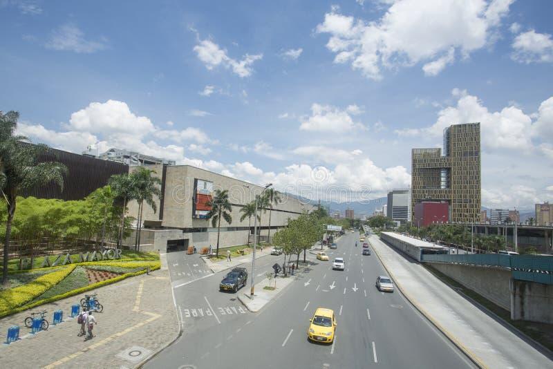 Medellin Antioquia/Colombia - 28 September 2016 Aveny Ferrocarril, viktig aveny av staden royaltyfria bilder