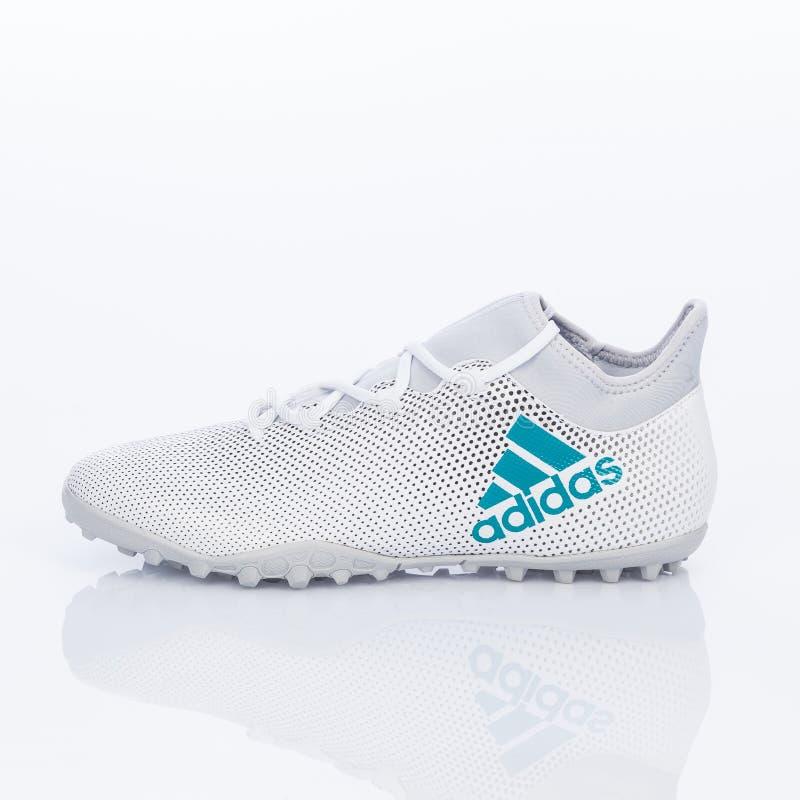 Medellin, Colombia Marzo 21, 2019: Calcio di ADIDAS/calcio dell'interno, scarpe fotografia stock libera da diritti