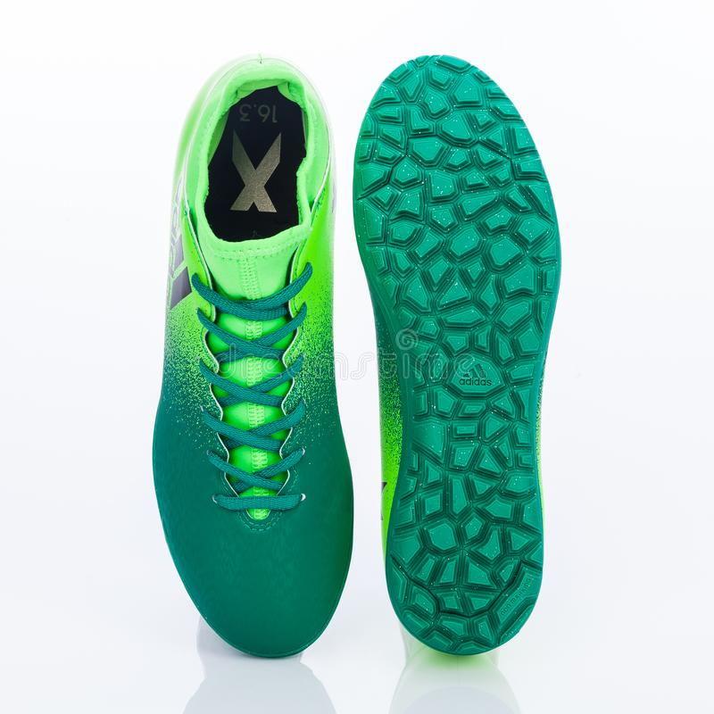 Medellin, Colombia Marzo 21, 2019: Calcio di ADIDAS/calcio dell'interno, scarpe fotografia stock