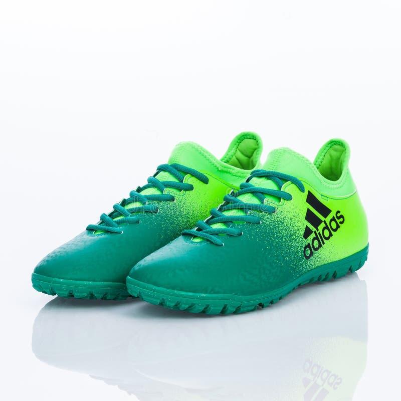 Medellin, Colombia Marzo 21, 2019: Calcio di ADIDAS/calcio dell'interno, scarpe immagine stock libera da diritti