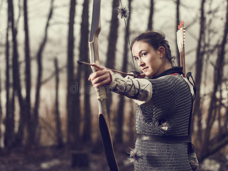 Medeltida bågskytte, kvinnafors arkivfoton