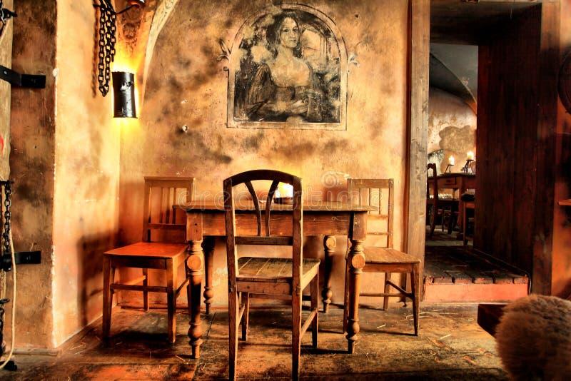 medeltida caf royaltyfria bilder