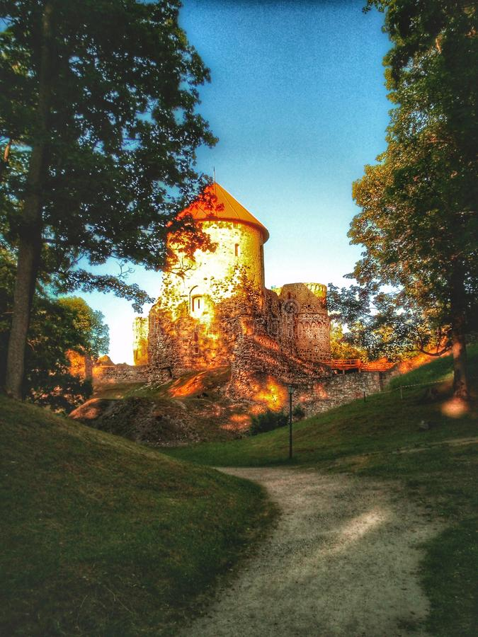Medeltida Cesis slott i Lettland, Europa royaltyfria foton