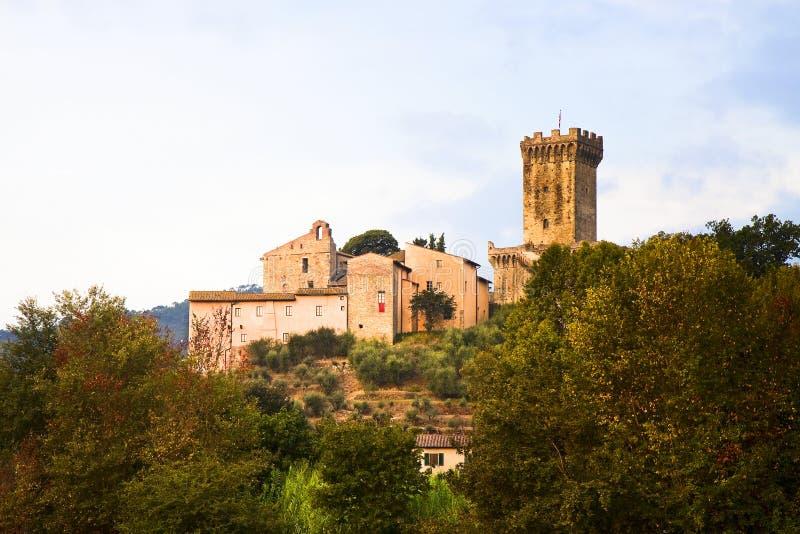 Medeltida citadell av Vicopisano (Italien-Tuscany-Pisa) arkivfoto