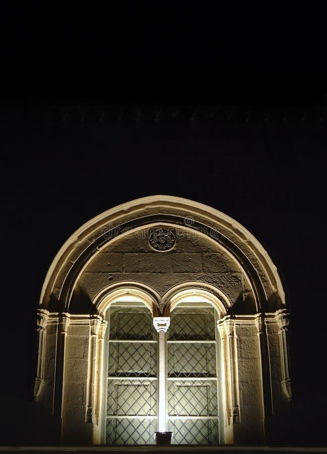 medeltida fönster för byzantine arkivfoton