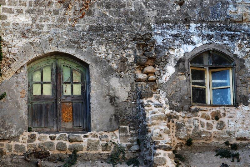 Medeltida fasad av huset i den gamla staden, Rhodes Greece fotografering för bildbyråer