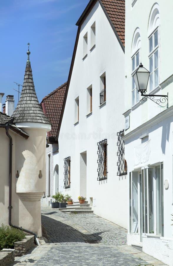 Medeltida gata för Melk stad royaltyfri foto