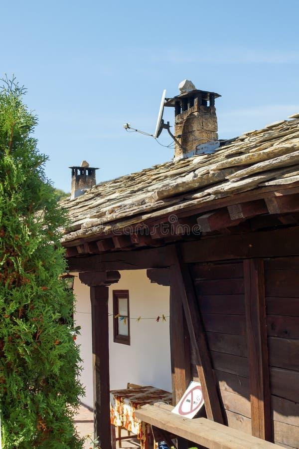 Medeltida Glozhene kloster av St George, Bulgarien royaltyfri fotografi