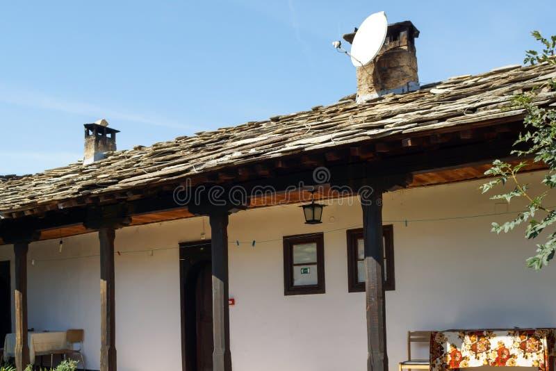 Medeltida Glozhene kloster av St George, Bulgarien arkivbilder