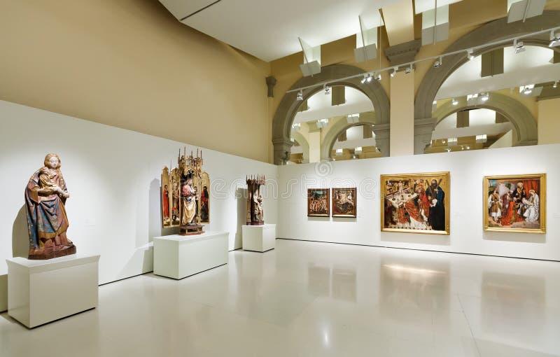 Medeltida gotisk stilkonstkorridor royaltyfri foto