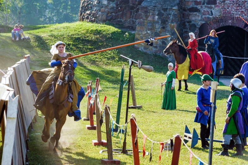 Medeltida historisk festival, riddarekonkurrens arkivbild