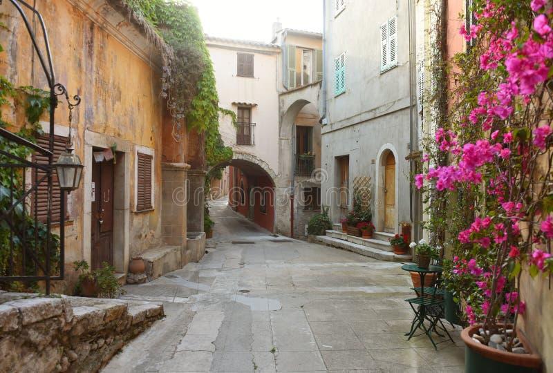 Medeltida by i Roquebrune-Lock-svalan, Provence-Alpes-skjul D 'Azur, Frankrike Cote d'Azur av franska Riviera fotografering för bildbyråer