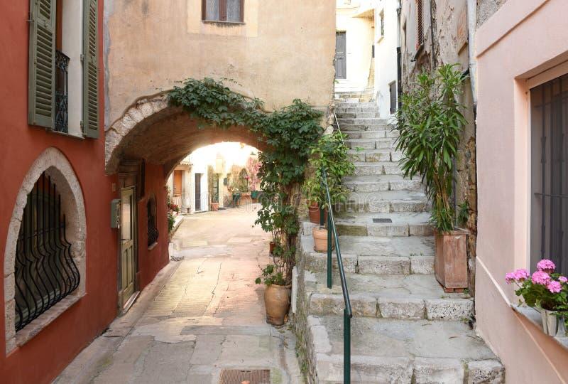 Medeltida by i Roquebrune-Lock-svalan, Provence-Alpes-skjul D 'Azur, Frankrike Cote d'Azur av franska Riviera royaltyfri foto