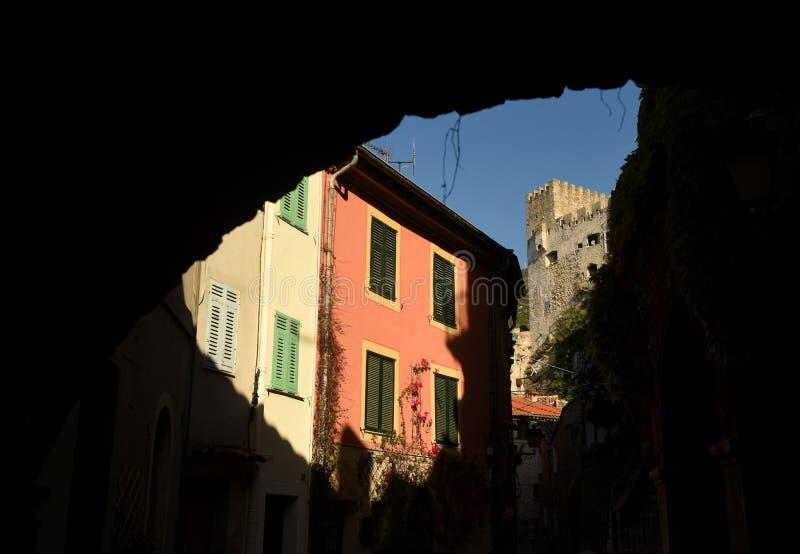 Medeltida by i Roquebrune-Lock-svalan, Provence-Alpes-skjul D 'Azur, Frankrike Cote d'Azur av franska Riviera royaltyfri bild