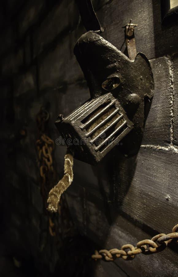 Medeltida instrument av tortyr arkivbild