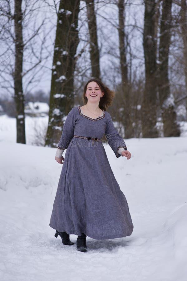 medeltida klänningflicka royaltyfri fotografi
