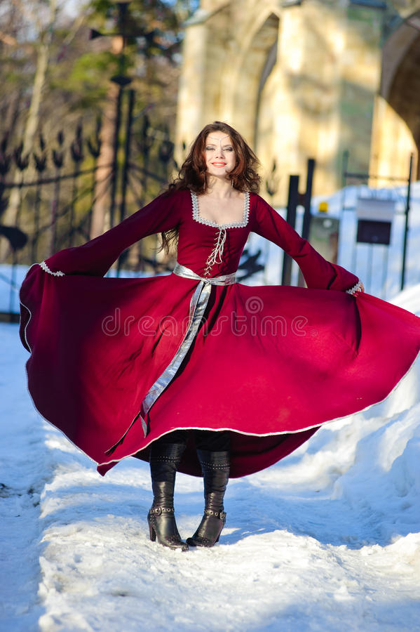 medeltida kvinnabarn för klänning royaltyfria foton