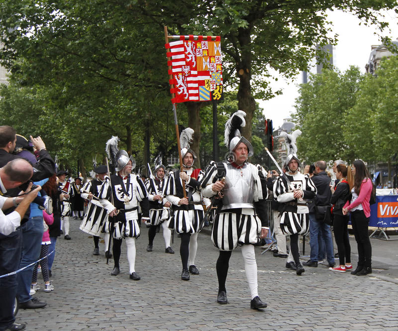 Medeltida lysande festspel i Bryssel royaltyfria bilder