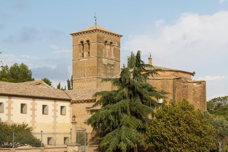 Medeltida romansk kyrka i Huesca fotografering för bildbyråer