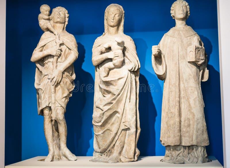 Medeltida skulpturer i Palazzo Chiericati arkivbild