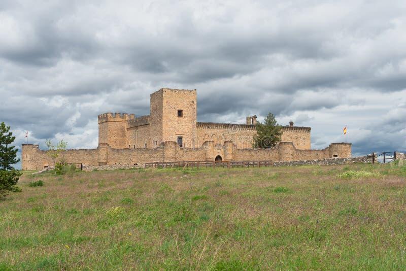 Medeltida slott av Pedraza, Segovia, Spanien arkivfoton