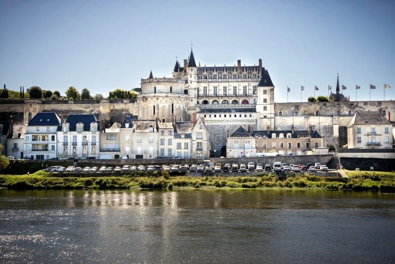 Medeltida slott för Chateaude Amboise, Leonardo Da Vinci gravvalv Loire Valley Frankrike, Europa Lång exponering royaltyfri foto