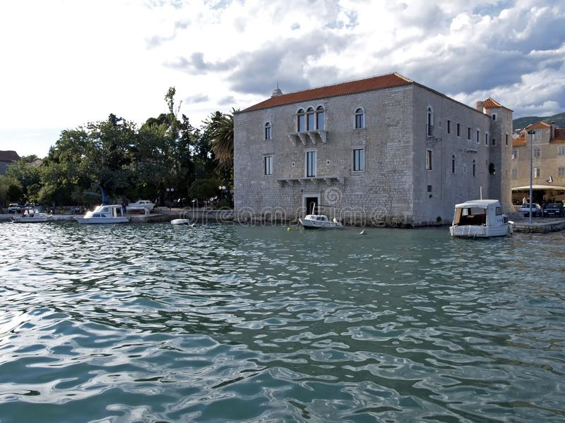 Medeltida slott i Kastel Luksic, Kroatien arkivfoton
