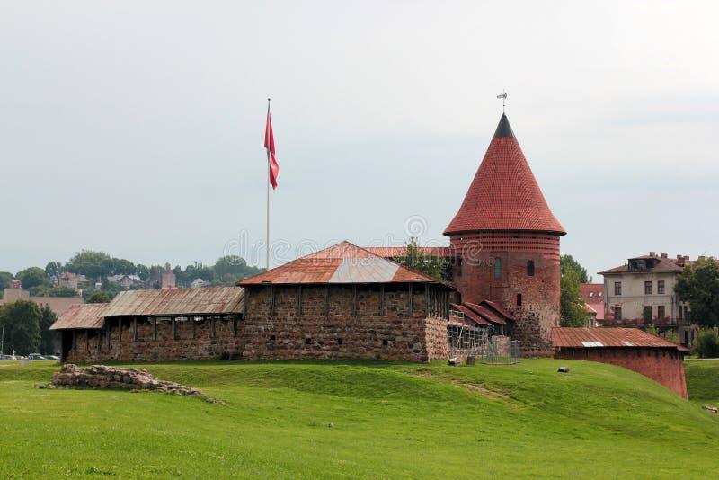Medeltida slott i Kaunas, Litauen i dagen arkivbilder
