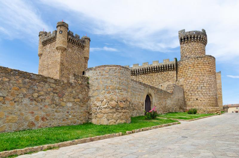 Medeltida slott i Oropesa toledo spain royaltyfri foto