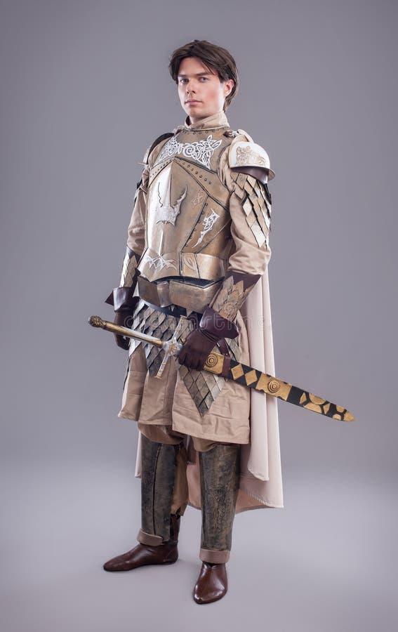 medeltida stående för riddare royaltyfria foton