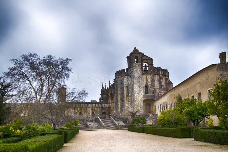 Medeltida Templar slott i Tomar, Portugal royaltyfri foto