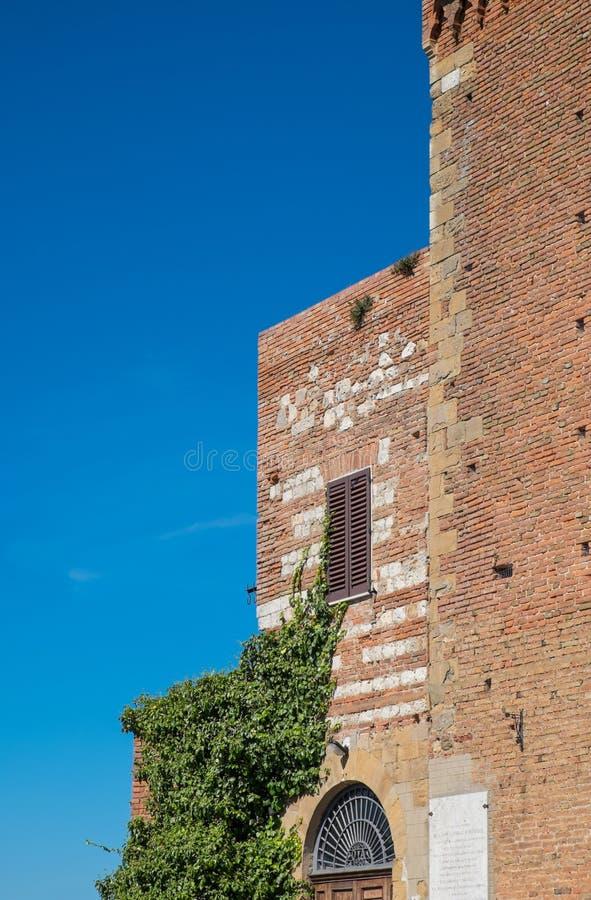 medeltida torn royaltyfri foto