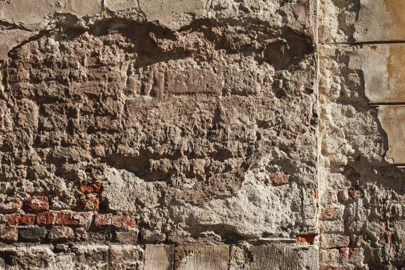 Medeltida vägg för gammal tegelsten arkivfoto
