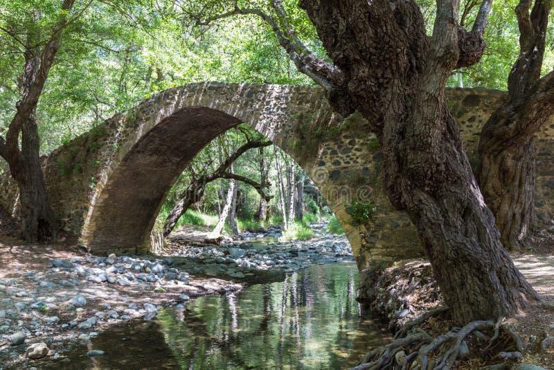 Medeltida Venetian bro i Cypern arkivbilder