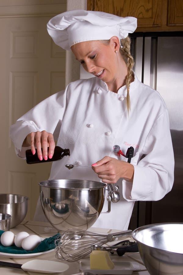 Medição do cozinheiro chefe imagem de stock royalty free