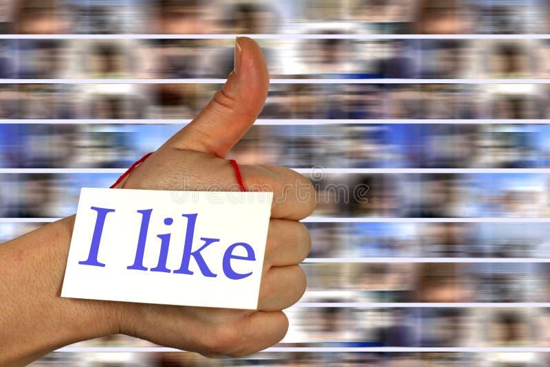 Media sociais eu gosto do polegar acima imagens de stock royalty free