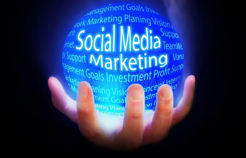 Media social lançant le plan sur le marché bleu de fond illustration stock