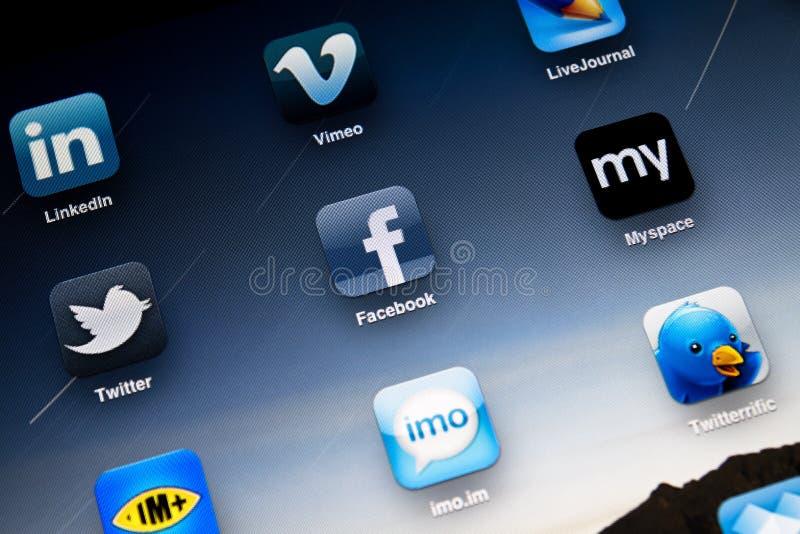 Media sociales Apps en Apple iPad2 fotos de archivo libres de regalías