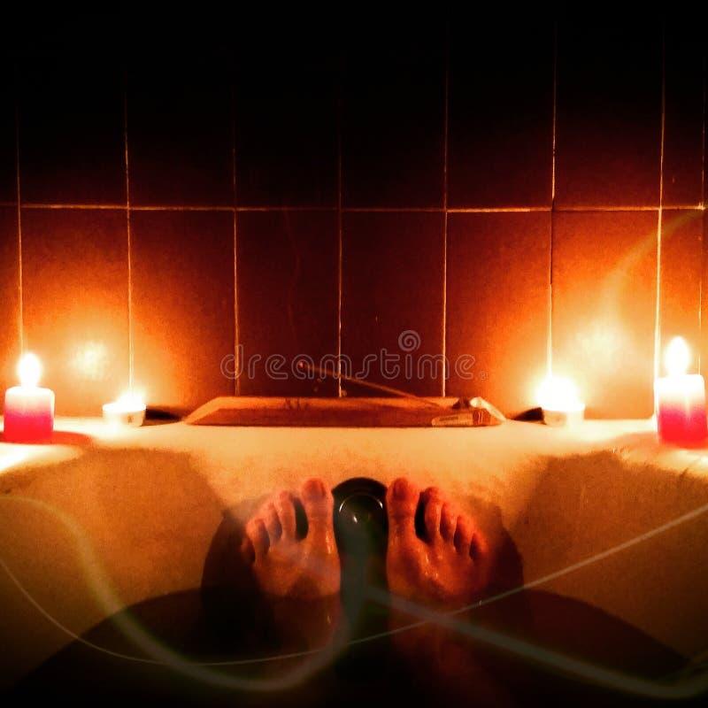 Mediación en una bañera imagen de archivo libre de regalías