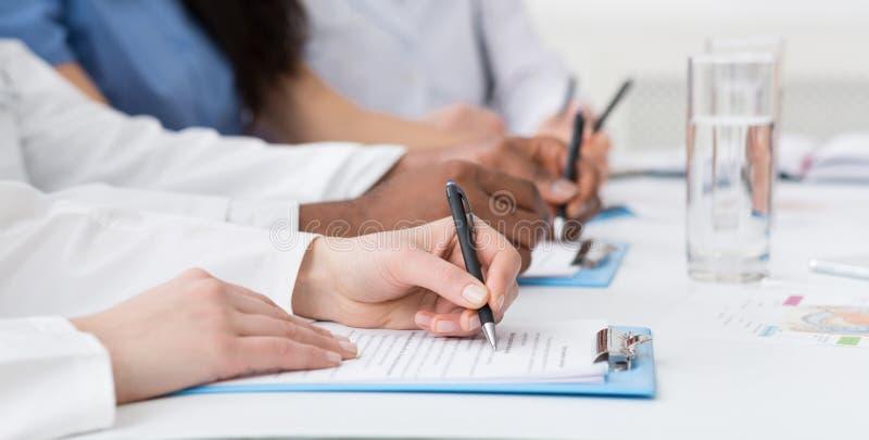 5 paragraph persuasive essay prompts