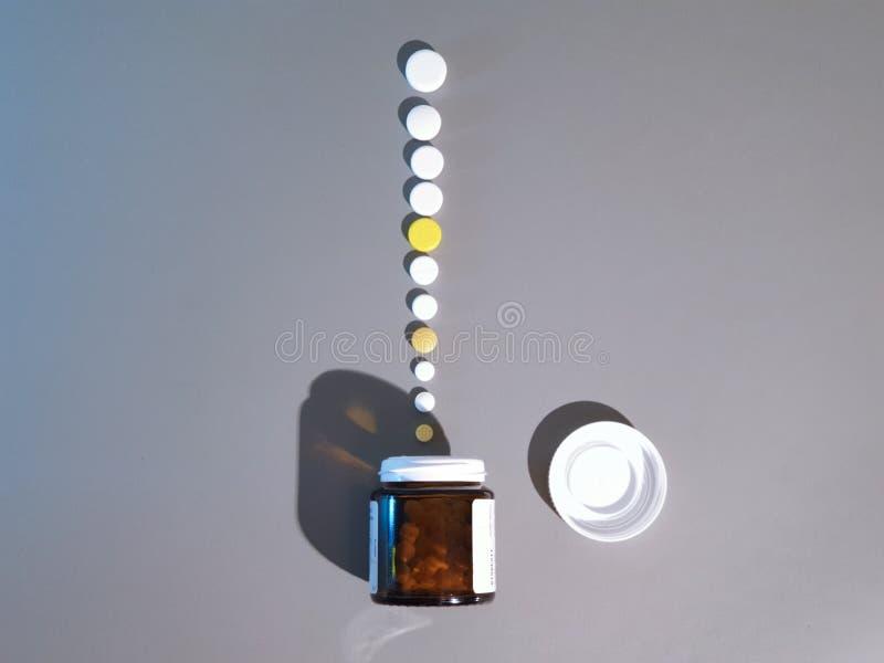 Medicamenta??o do close-up Close up dos comprimidos Drogas m?dicas foto de stock