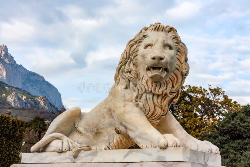 Medici狮子雕塑在沃龙佐夫宫殿 免版税库存照片