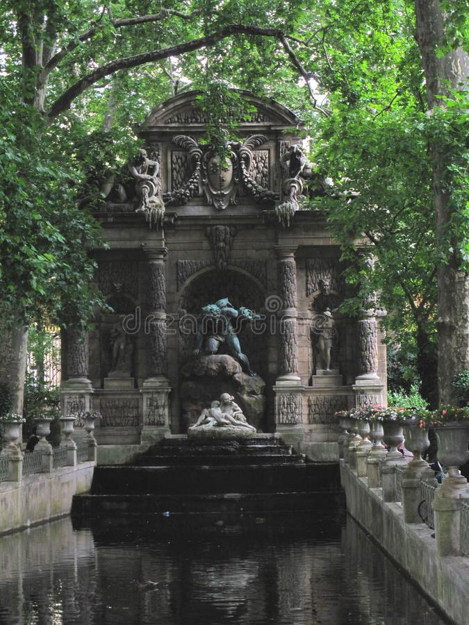 Medici fontanna w Jardin du Luksemburg zdjęcia stock