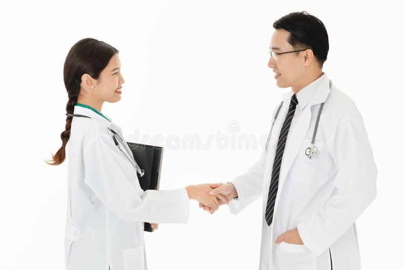 Medici nel lavoro di squadra di servizio di sanità fotografia stock libera da diritti
