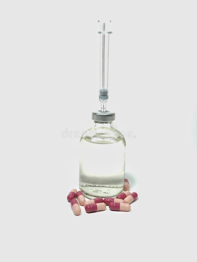 Download Medicijndrug En De Drug Van De Naaldspuit, De Medische Ziekte Van De De Injectiebehandeling Van Het Vaccinflesje In Kinderen, Jon Stock Afbeelding - Afbeelding bestaande uit apotheek, nadruk: 114227415