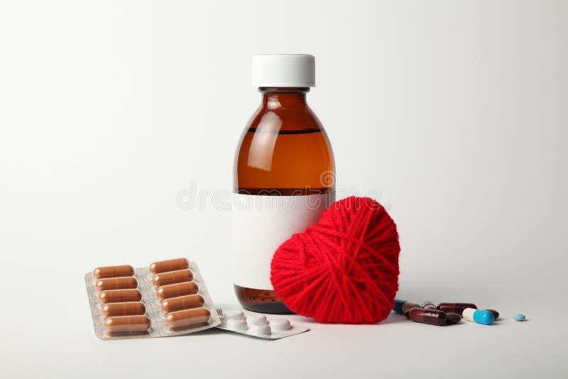 Medicijnen voor het hart, die bloeddruk verminderen hart- en vaatziekten stock afbeelding
