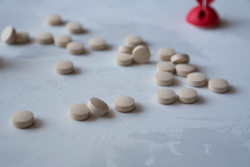 Medicina: pillole e vitamine immagine stock libera da diritti